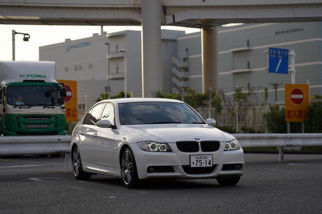BMW E90 320i 車中泊 3シリーズ セダン