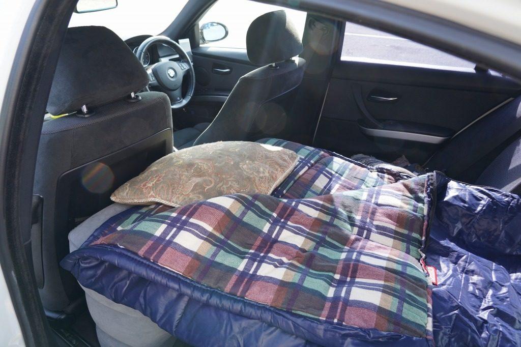 トランクスルーを使い確保した寝床