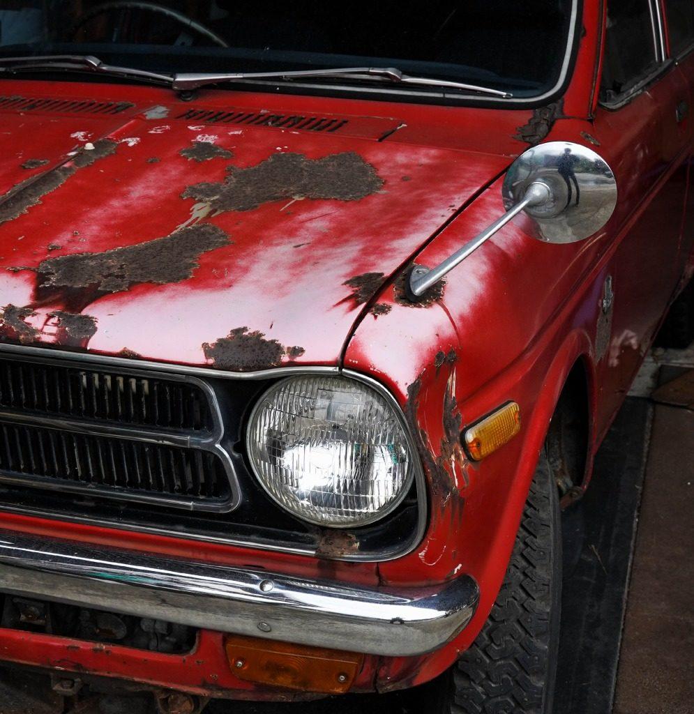 錆びついたおしゃれな車