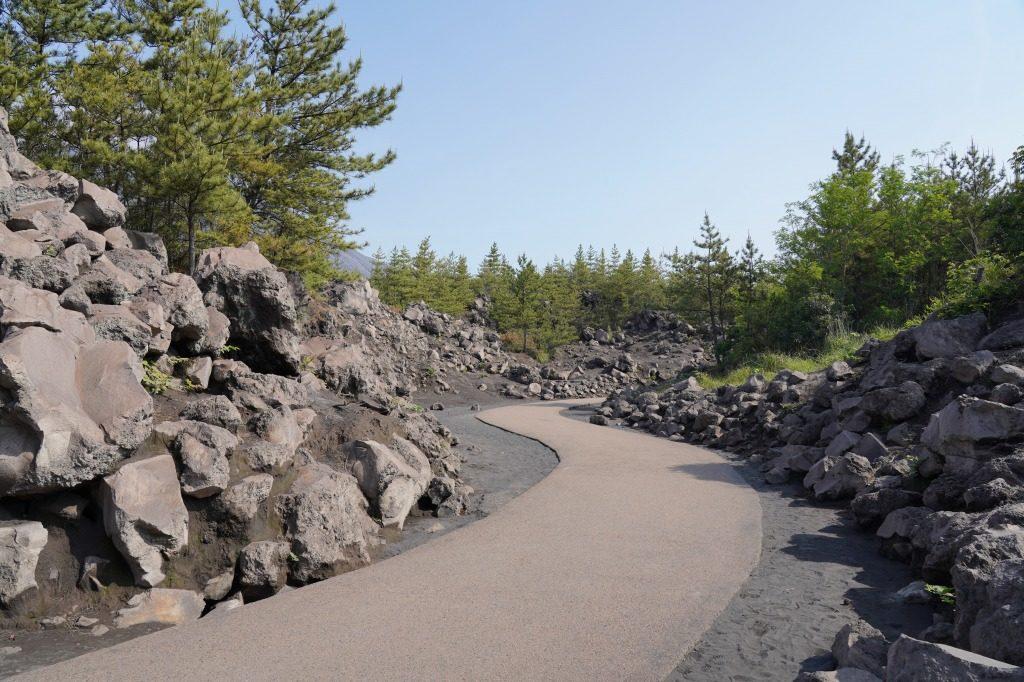 有村溶岩展望所の通路