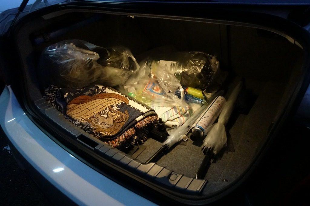 荷物が多いトランク