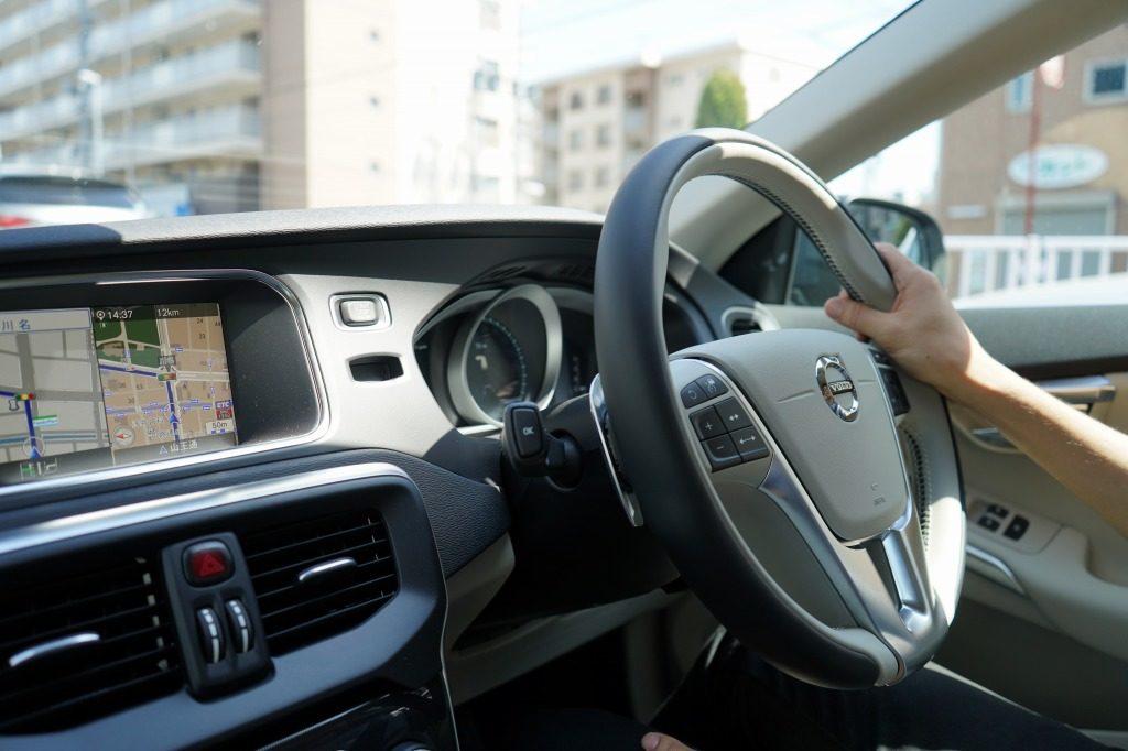 車を運転している時の写真