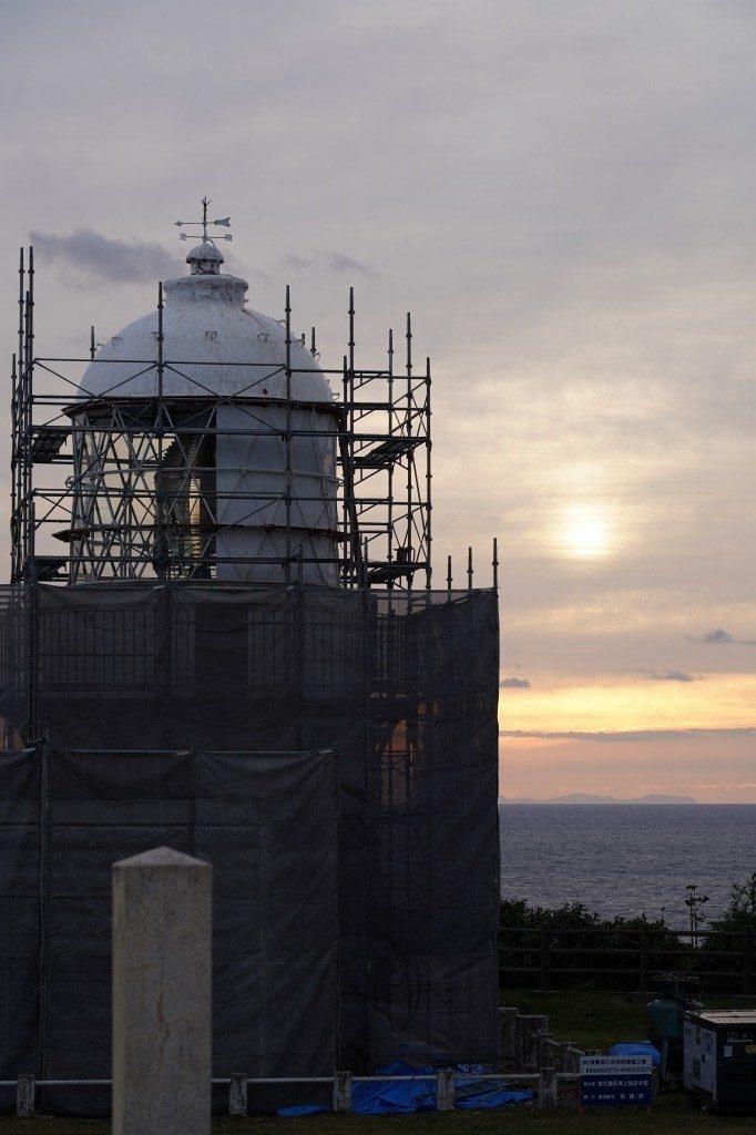 工事中の 禄剛埼灯台
