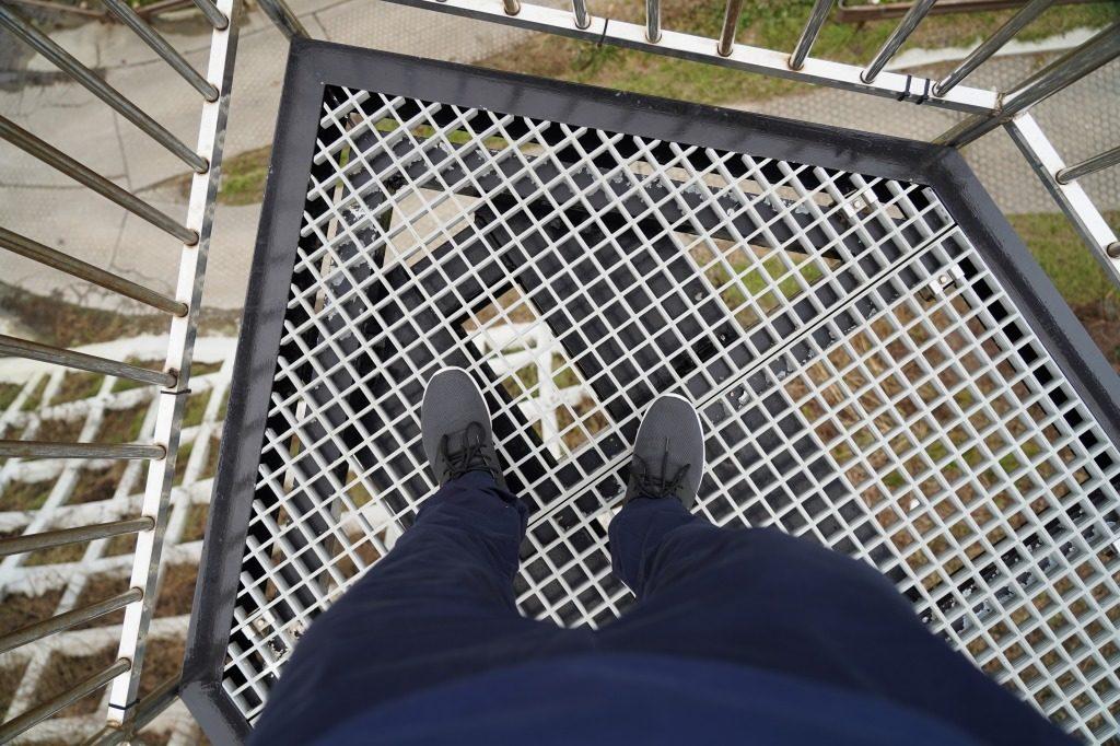 空中展望台の足元