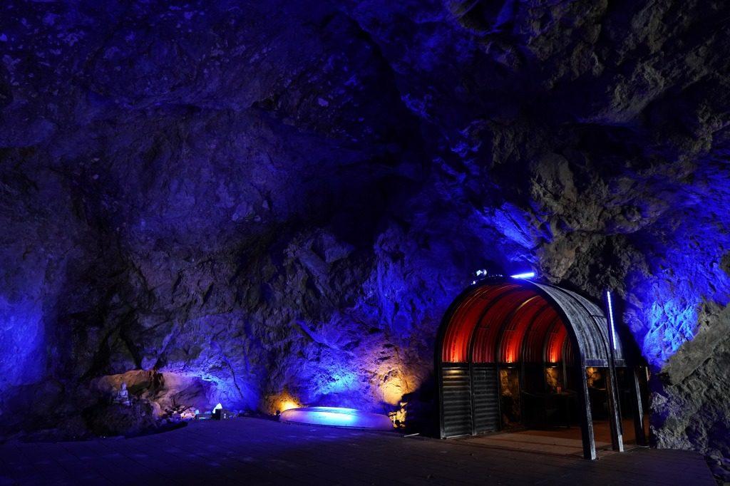 青の洞窟の中