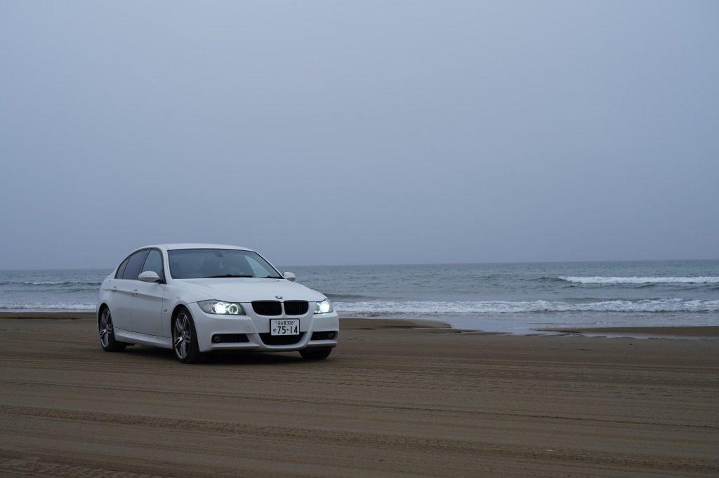 BMW 320i 千里浜なぎさドライブウェイ 雨の日