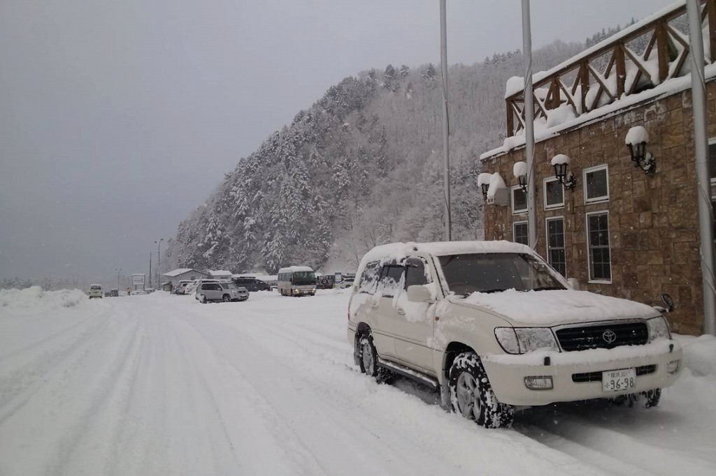 ランクル_雪